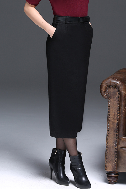Spice up your wardrobe with Talbots skirts for women. Unearth your classic elegance with timeless womens skirts featuring a-line, pencil and more!