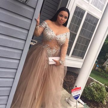 Plus Size Ball Gown Long Sleeves Crystal Detailing Prom Dresses 2019