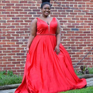 Red Long Prom Dresses 2019 A-line V-Neck Sleeveless Plus Size