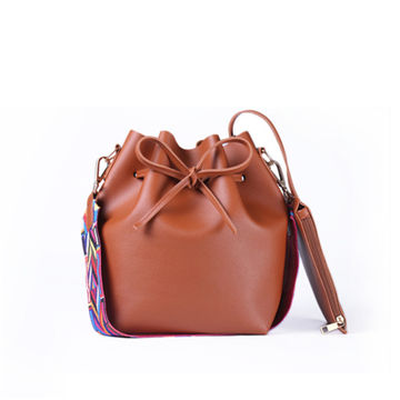 1e829fbf248e  23.21 DAUNAVIA Women bag with Colorful Strap Bucket Bag Women PU Leather  Shoulder Bags Brand Designer Ladies Crossbody messenger Bags