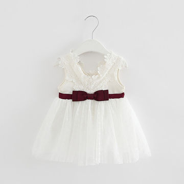 a8301ad09dd1  19.99 Retail-2019 summer newborn V-neck bow lace princess infant dress  baby girls dress Honey Baby clothes ball gown 3 color